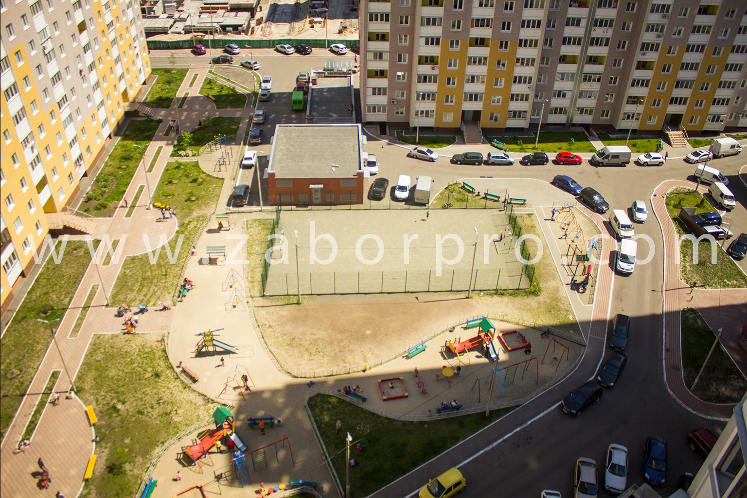 ограждение многоквартирного дома, спортивной и детской площадок-0021